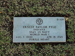 800px-Ernie_Pyle_gravesite