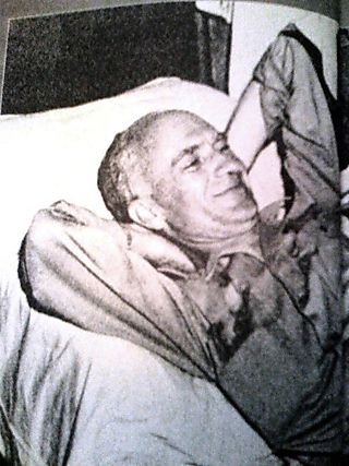 Ernie Pyle At Ease